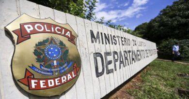 Polícia Federal faz operação contra tráfico de drogas no Rio